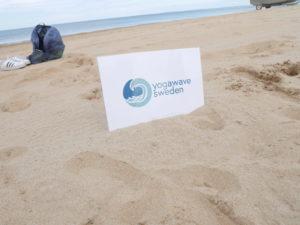 Mongonyoga på stranden