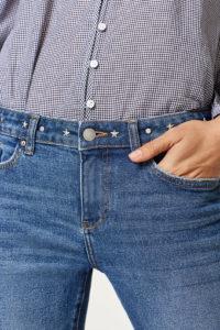 Jeans med nitdekor