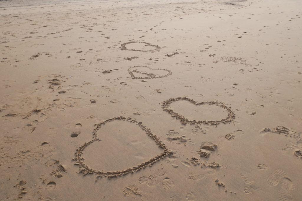 sjärtan i sanden