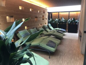 Treatment lounge